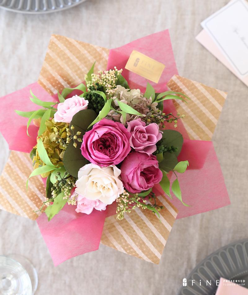 プリザーブドフラワー ギフト プレゼント インテリア ディスプレイ 誕生日 結婚祝い アレンジメント ピンク ローズ テーブルフラワー